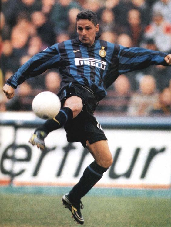a biography of roberto baggio a football player Roberto baggio net worth 2018, biography/wiki, married/wedding roberto baggio net worth: roberto baggio is an italian retired professional soccer player that has a net worth of $15 million.