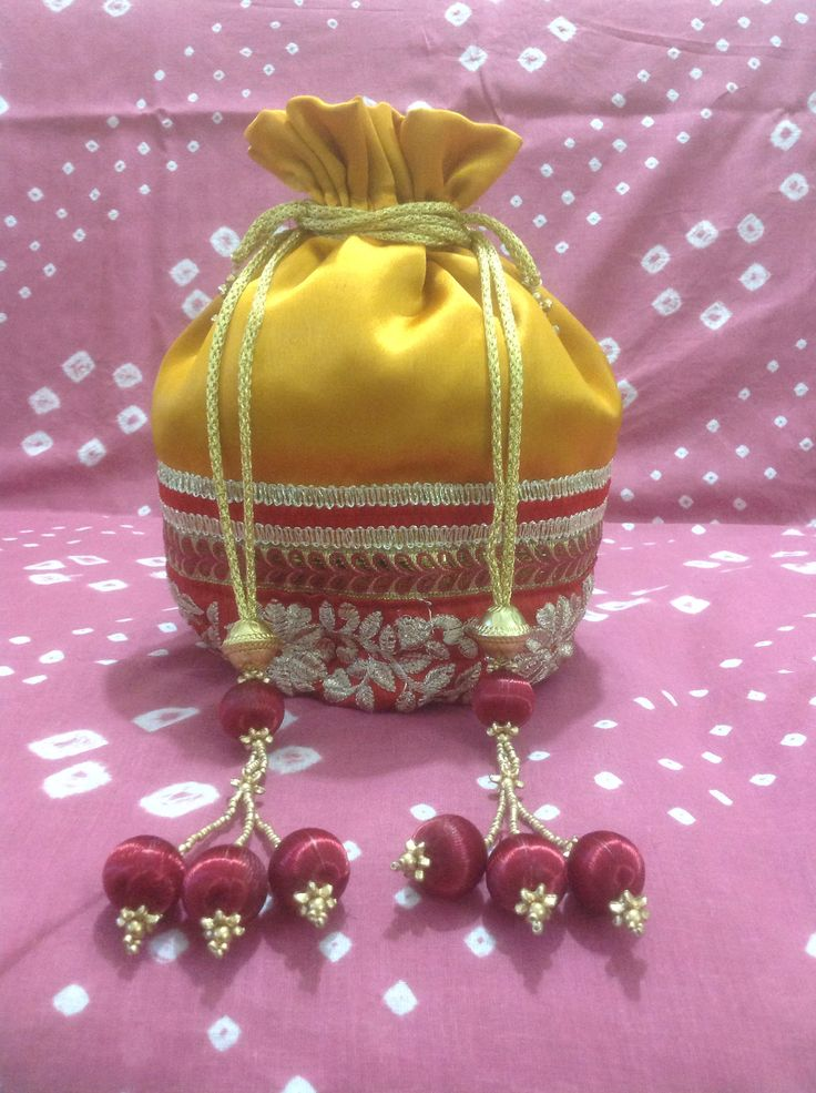 1000+ images about Potli bag indian on Pinterest Beaded clutch ...
