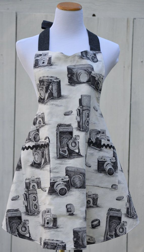 Vintage Camera Apron Ready To Ship Reversible by pieshomecreations, $32.00