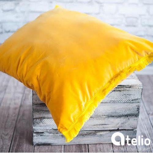 Żółta poduszka. Pracownia Color for Home. Do kupienia w atelio.pl. #pillow #yellow