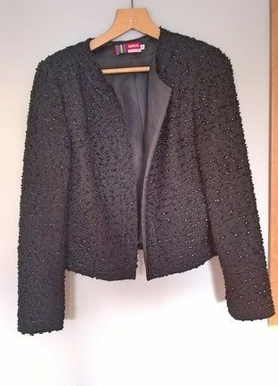 Kup mój przedmiot na #vintedpl http://www.vinted.pl/damska-odziez/marynarki-zakiety-blezery/16486613-elegancka-czarna-blyszczaca-marynarka-zakiet-bez-zapiecia-40-42-klasyka