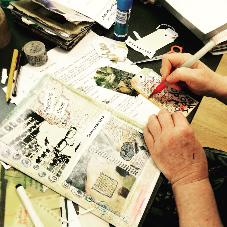 Kathryn has been playing in at the most recent Art Journalling workshop!!