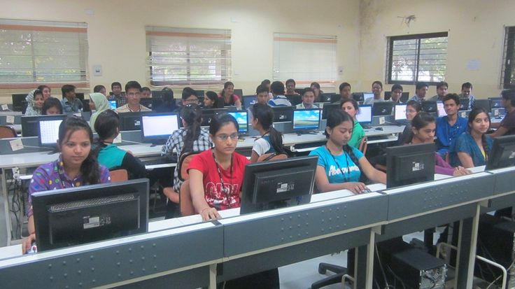 If you want to be graduate in Computer Application program and looking for the best institute with well qualified faculty members, then SIMS is the top BCA Colleges in Indore Madhyapradesh. Get complete information about the course Contact us call at : 0731-2580000