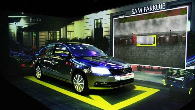 "3D mapping - Making Of ""VW Passat Show"" by MOOV."