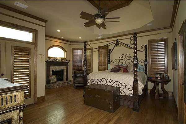 split bedroom craftsman home plan