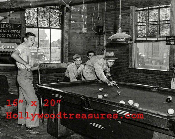 """Shooting Pool~Pool~Pool Hall~Billiards~1912~Poster~16/"""" x 20/"""" Photo"""