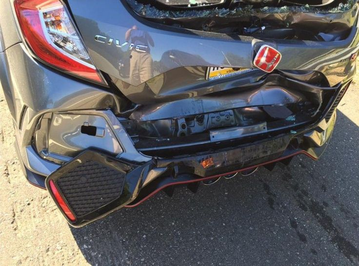 2017-honda-civic-type-r-crash_3