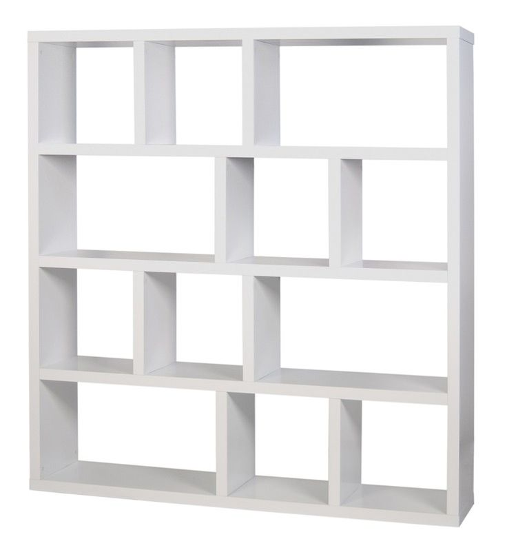 Berlin Reol - 4 sektioner - Flot og moderne reol med asymmetrisk rumopdeling i 4 sektioner. Denne reol kan kombineres med bokse i flere forskellige farver, som passer i de kvadratiske rum. Således har du en unik mulighed for at tilpasse reolen til din stil og dit hjem, afhængig af om den skal stå i stuen eller på børneværelset.