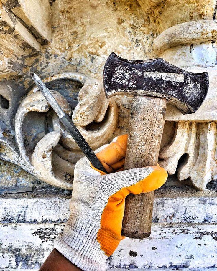 Bazen bisturi kullanırsın bazen böyle madırga :) #restorasyon #restoration #tarih #arkeoloji #mimari #yıldız #dolmabahce #besiktas #mimarsinan #iau #arel #itü #istanbul #istanbullovers #instagram #instagood #photography #türkiye http://turkrazzi.com/ipost/1526306101711231579/?code=BUuh1ATAlpb