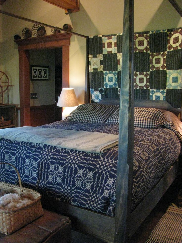 Likin' the Pencil Post Bed.....: Prairie Blue, Beds Quilts, Colonial Bedrooms, Primitive Bedrooms, Primitive Quilts, Four Posters Beds, Country Bedrooms, Primitive Decor, Prim Bedrooms