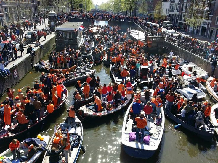 Kingsday (27-04-2015) at canals by Gemeente Amsterdam https://www.facebook.com/gemeenteamsterdam