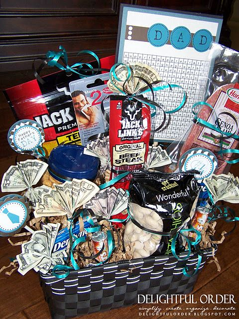 Men gift baskets - several ideas. I love this for fathers day!: Guy Gift, Gift Baskets, Man Gift, Gift Ideas, Diy Gift, Men Gift, Giftbasket, Father