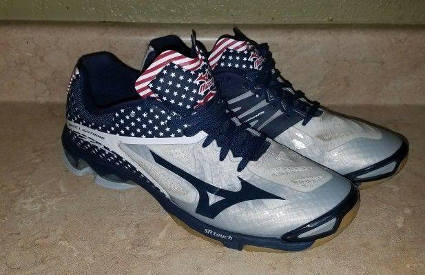 Mizuno Wave Lightning 10.5 USA American
