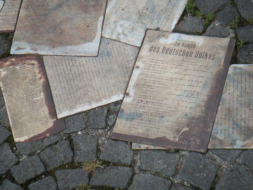 Scholl Memorial, Memorial at Geschwister Scholl Platz