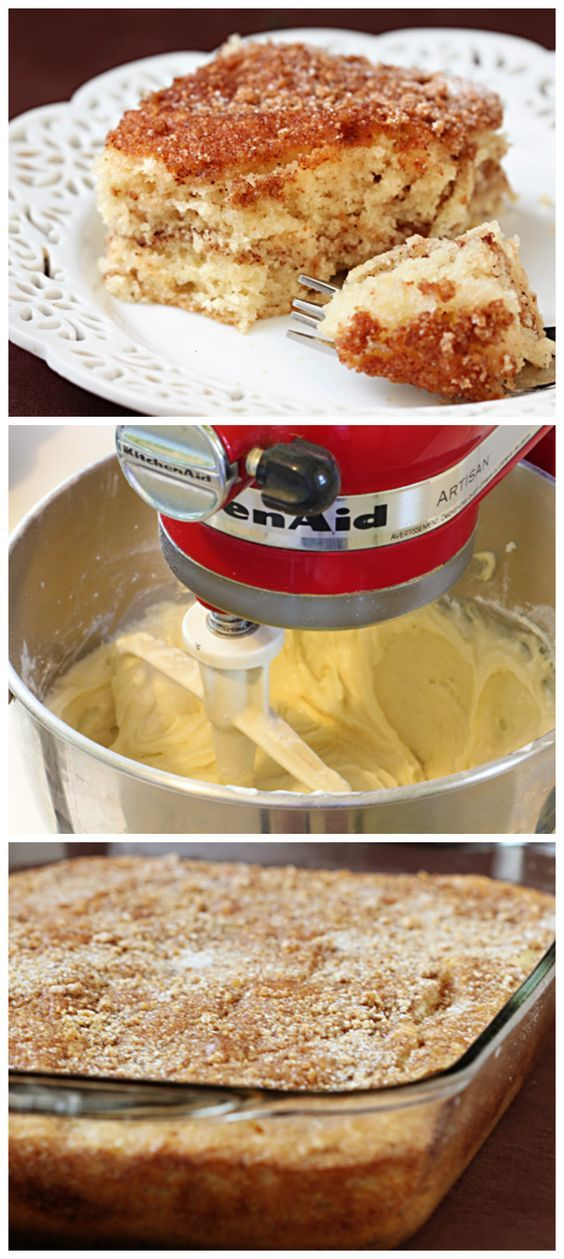 Sour Cream Coffee Cake -- my all-time favorite coffee cake recipe! | gimmesomeoven.com #breakfast