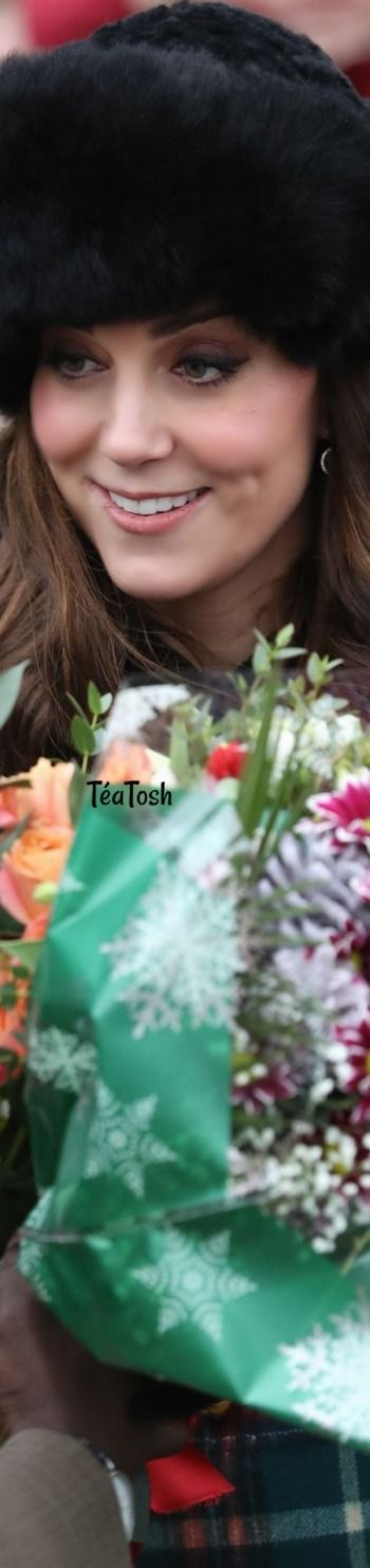 ❇Téa Tosh❇ Kate Middleton and the Royal Family – Christmas Day Service in King's Lynn