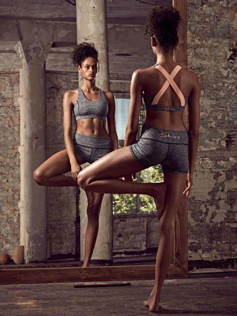 Und auch an die passende Unterwäsche muss beim Sport gedacht werden. Skiny hat für diesen Fall die Athleisure Wear Collektion SK8Y6 herausgebracht, die neben funktionaler Wäsche auch hübsche Jogginghosen und Tops beinhalten wird. Die guten Stücke sind ab Februar 2017 erhältlich.