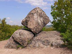 Pákozdi-ingókövek - Kocka-kő, Velencei hegység
