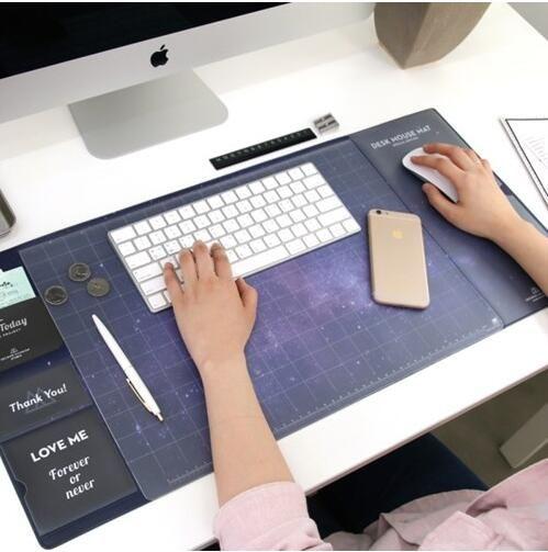 Прохладный вселенная pattern пластиковый стол коврик для мыши школа офисная техника творческий подароккупить в магазине KiMagic StoreнаAliExpress