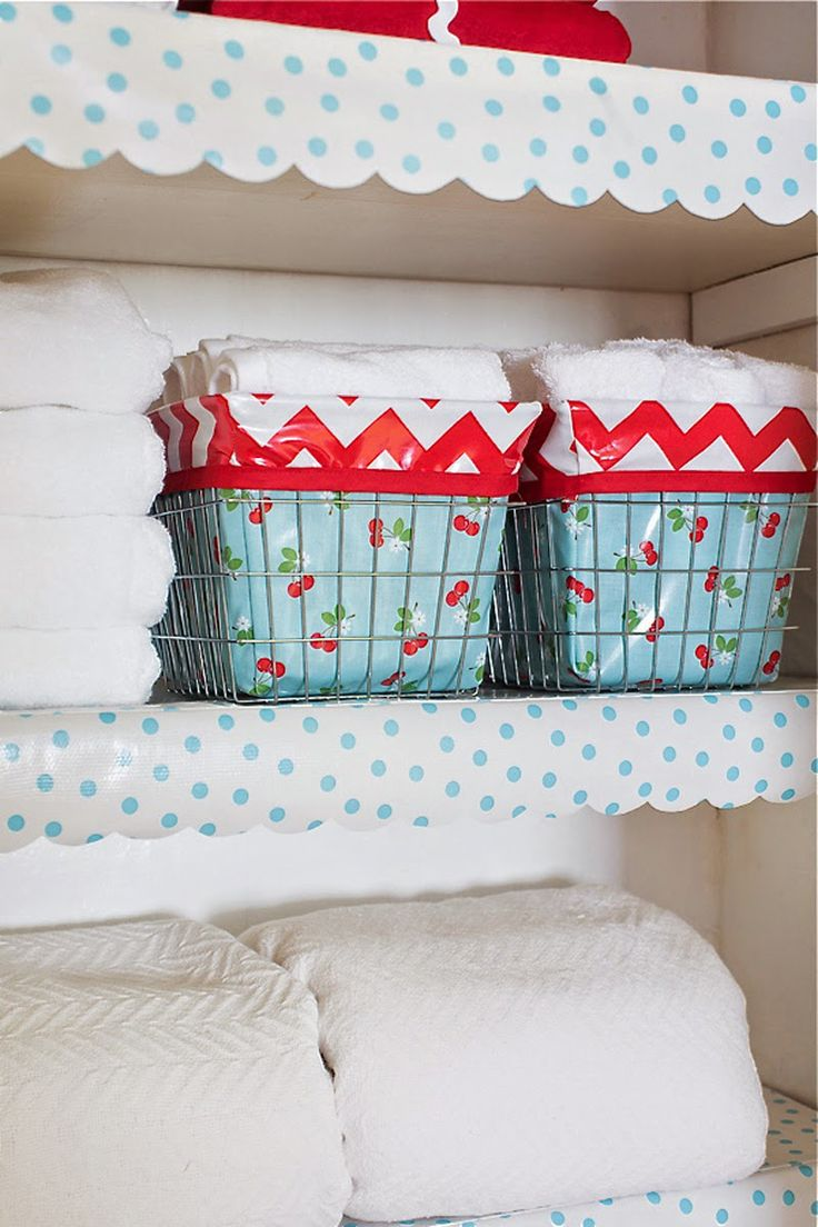 Scalloped Oilcloth Shelf Liner Tutorial + At Home with Modern June Giveaway | Sew Mama Sew |