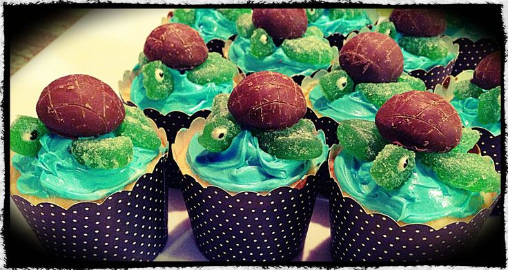 Just keep swimming... Turtle cup cakes