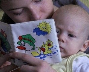 Cum iti inveti bebelusul sa vorbeasca?    Sugestii http://jucarii-vorbarete.ro/cum-iti-inveti-bebelusul-sa-vorbeasca/