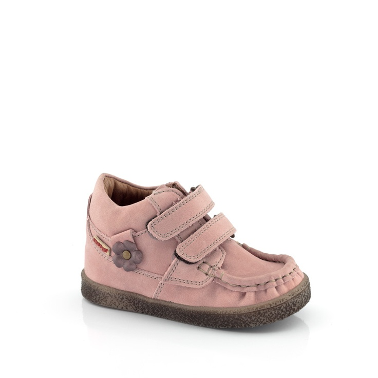 Girls moccasins by FRODDO Visit www.froddo.com.au  #girlsshoes #shoes #footwear #kidsfashion #fashion #children #childrensshoes #froddo #moccasins #pink #leathershoes #leather #european #organic