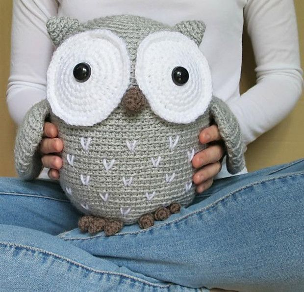 LoveCrochet | This week, owls are the name of the game. This owl crochet pattern by Megan Barclay is simple and fun. This is a tawny owl. Medium sized and common in forested areas in Europe and Asi