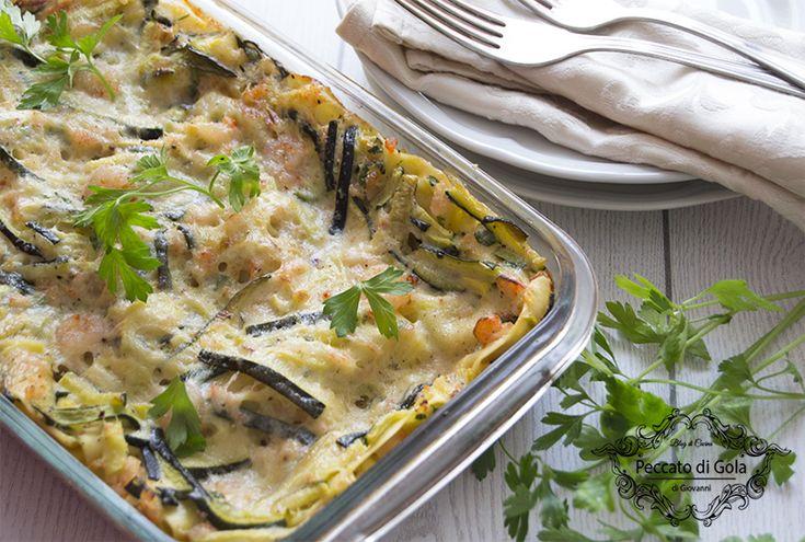 Preparare un primo piatto che possa deliziare i commensali, magari in un giorno come la domenica? Provate queste squisite lasagne zucchine e gamberetti!