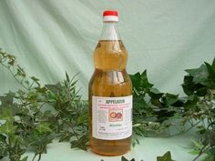 Van appelazijn is aangetoond dat het antiseptische eigenschappen bezit, evenals anti-biotische processen stimuleert. Als appelazijn bijvoorbeeld over rauw vlees wordt gesprenkeld, doet de azijn dir...