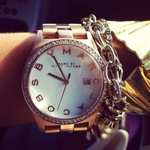 love this watch and the chain detail.