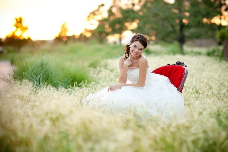 bridal poses - @Keri Doolittle photography