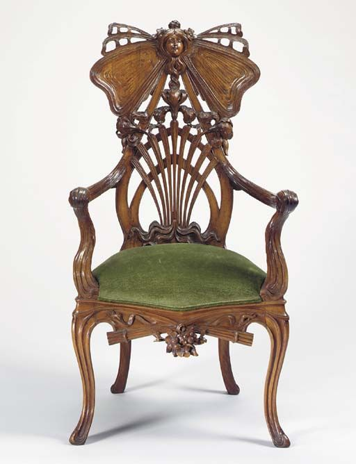 CARVED MAHOGANY ART NOUVEAU THRONE ARMCHAIR   CIRCA 1905   46 in. (117 cm.) high