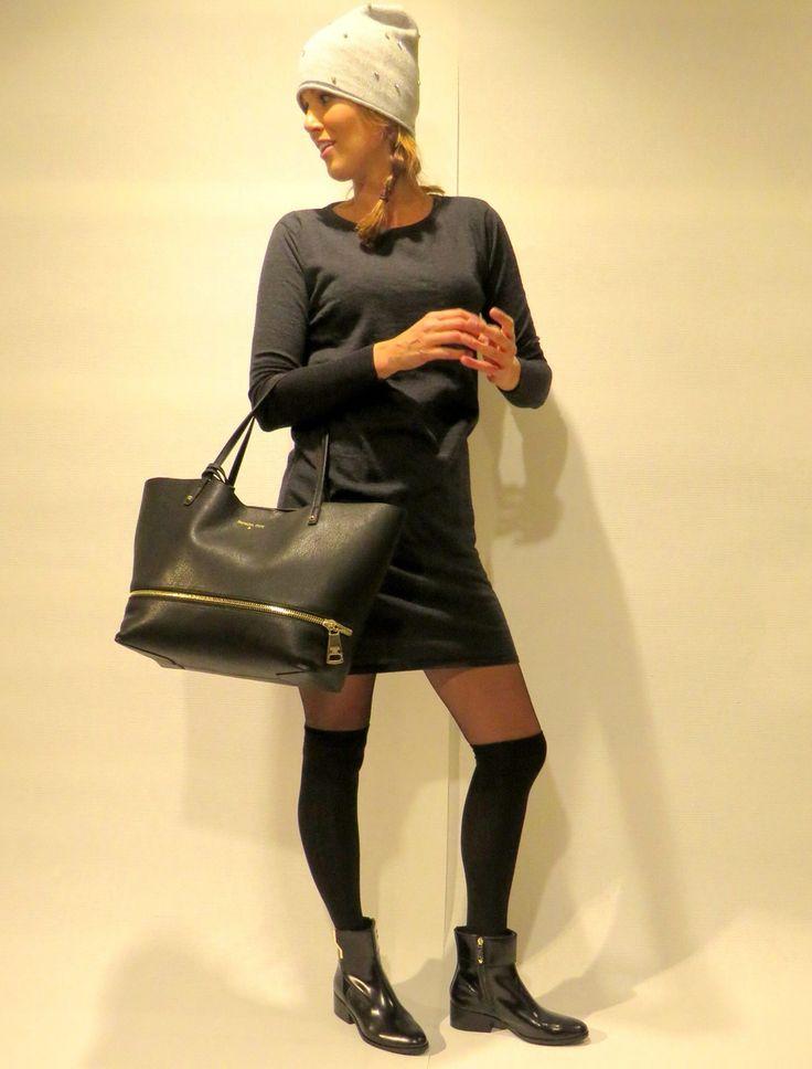 Nieuw bij JRschoenmode mooie dames en heren handschoenen van het merk Hestra lekker warm en zacht leder. Poncho's ,sjaals ,omslagdoeken,tassen en sieraden naast onze schoenen gepresenteerd,in samenwerking met Anna's mode en de Sokkensolder uit Genemuiden.