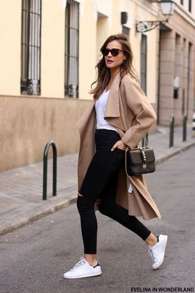 Black jeans, white tee, a draped coat, and Stan Smith Adidas sneakers. This  outfit is fall perfection.