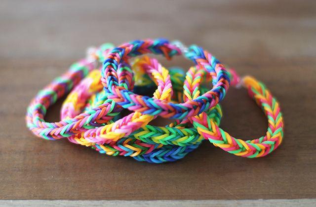 DIY: finger fishtail loom bracelet