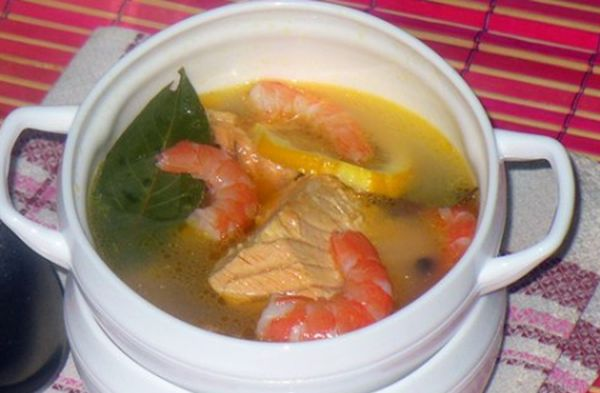 Fish soup of trout with prawns | Cooking