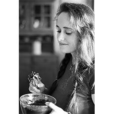 { Un gâteau à IG très bas pour Gilda… } Gâteau moelleux et léger aux poires, vanille et Noix «caramélisées» au sirop d'agave  Pour Gilda, (à qui je dois bien ce petit clin d'œil), voici un gâteau à IG bas «qui en jette». Très très simple à réaliser, tout gentil pour la ligne etLire la suite...