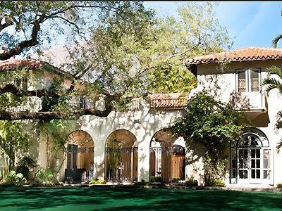 NOT BYO Villa Woodbine Coconut Grove Weddings Miami Wedding Venues 33133