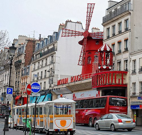Moulin Rouge, Paris - Courtney was on stage at the Moulin Rouge!!!
