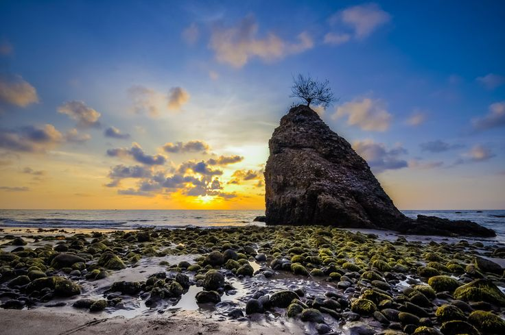 The Stone by Asfie Zulhaidi on 500px