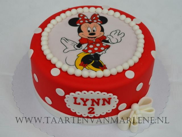 Minnie mouse taart.