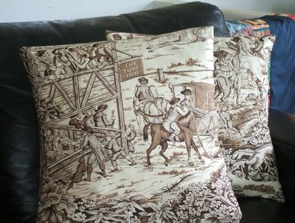 Cushion cover with english historic country scene