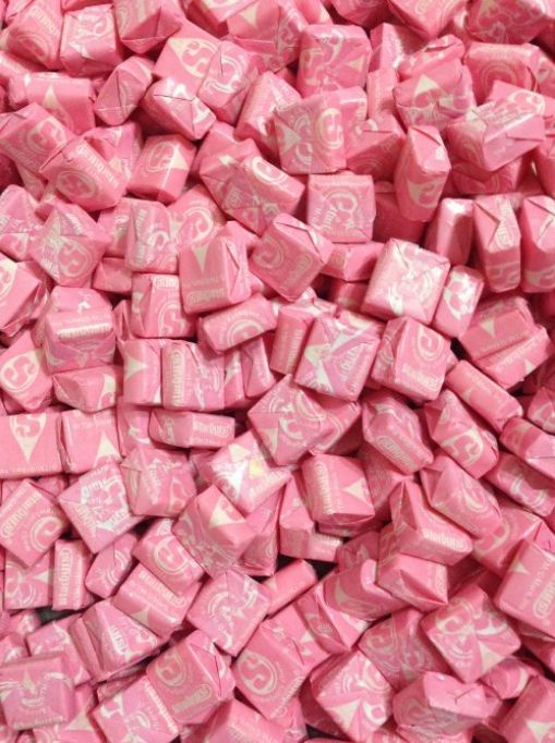 Which Candy Matches Your Personality?  You got: Pink Starbursts You're pink Starbursts. You're the only flavor of Starburst that's celebrated, loved, and respected. And that's because you're better than other people. You're just a really quality person and everyone likes you best.
