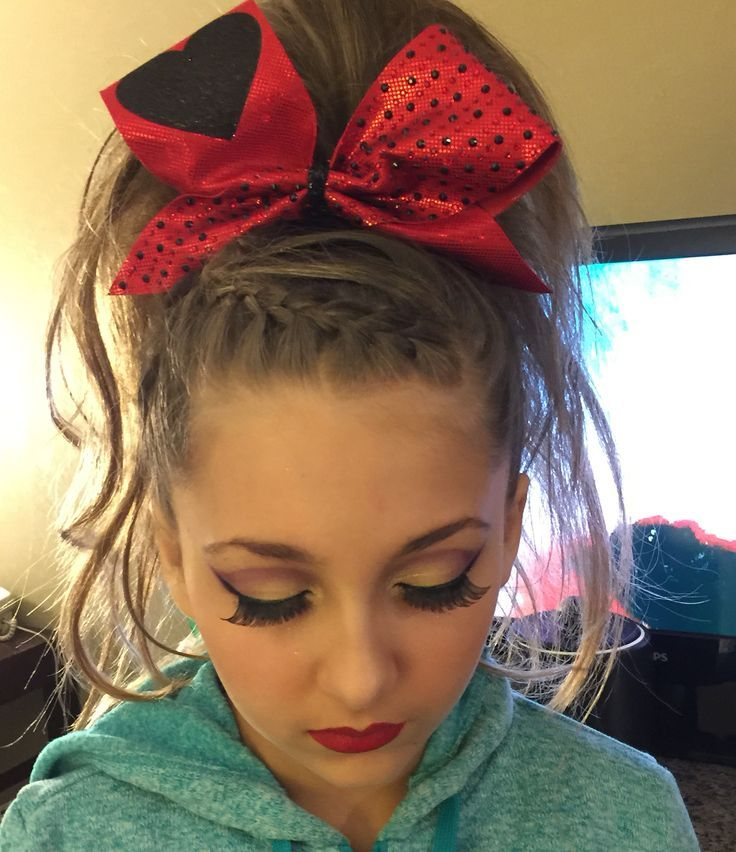 Perfect fall gameday cheer hair and makeup
