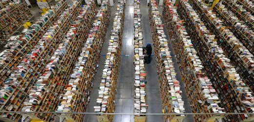 20 Jahre Amazon: Wie ein Unternehmen uns alle verändert hat Amazon-Lager in Phoenix: Schöpfen durch Zerstören