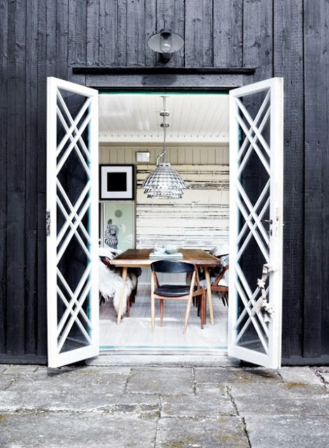 Trellis pattern detail - patio doors
