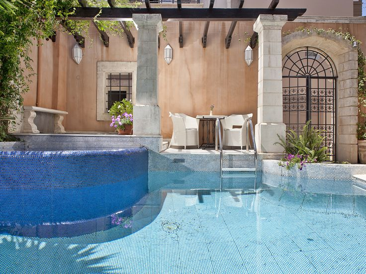 Tucked down a narrow alley along old town Rethymno's charming, café-packed side streets, this small scale hotel in a renovated Venetian palazzo is a good base for discovering Greece's largest island. NEW on CreteTravel.com-#Rimondi #Boutique #Hotels : http://www.cretetravel.com/hotel/rimondi-boutique-hotels/