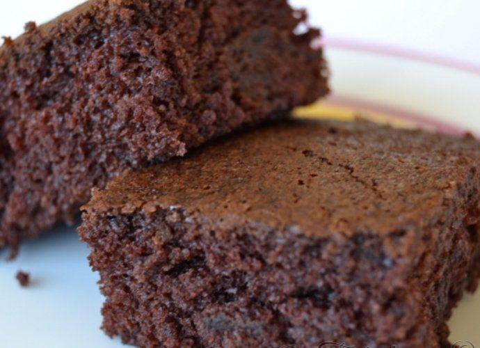 Bizcocho de chocolate super esponjoso para #Mycook http://www.mycook.es/cocina/receta/bizcocho-de-chocolate-super-esponjoso
