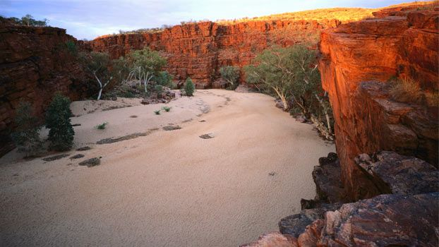 Trephina Gorge   Northern Territiory  Google Image Result for http://travel.9msn.com.au/img/insiders/alicespringsandaround/trephinagorge.jpg